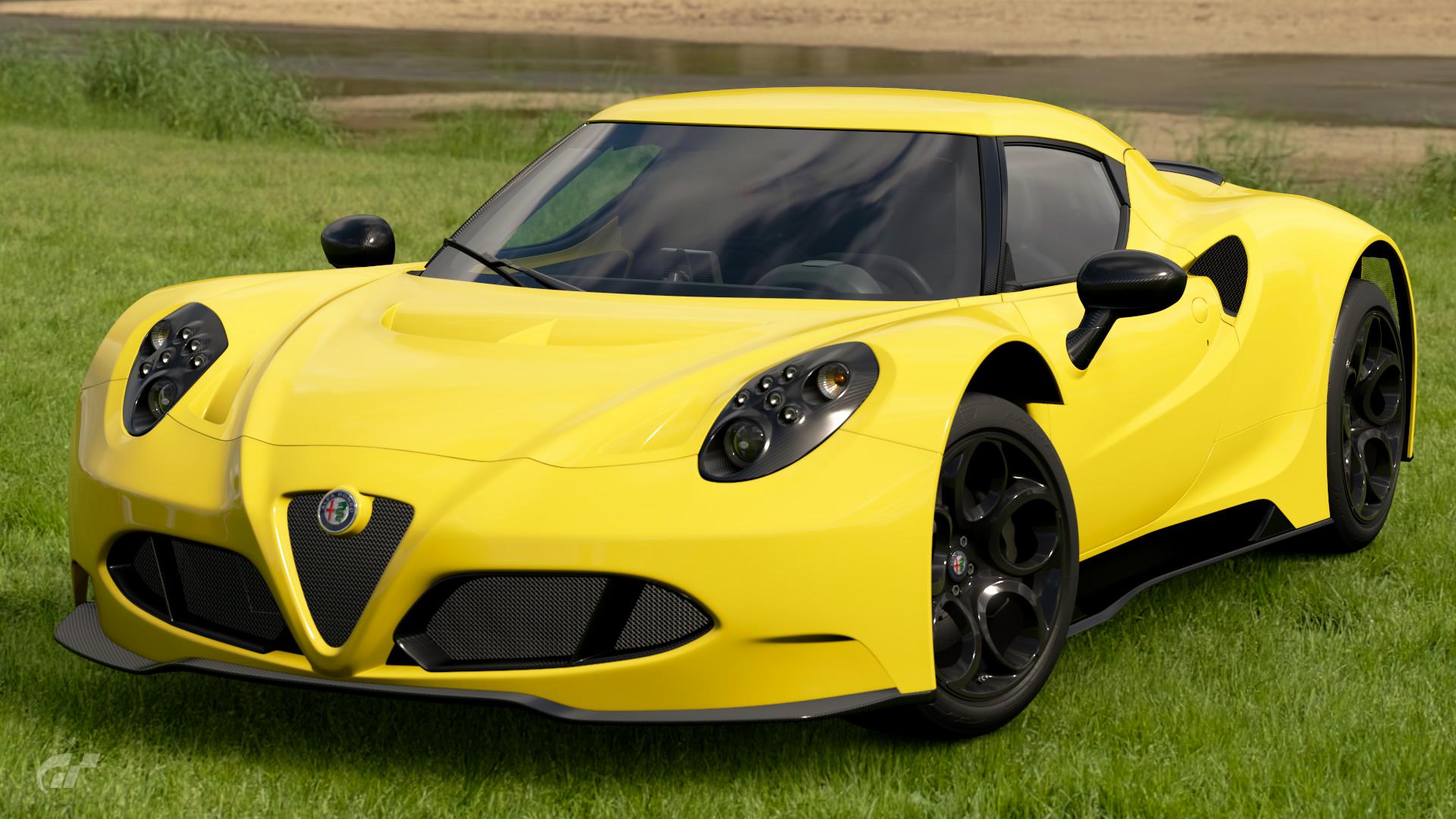 Alfa_Romeo_4C_Gr.3_Road_Car.jpg